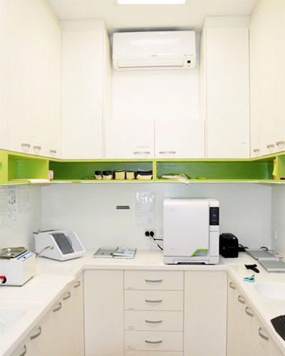 The Paediatric Dentist - Specialist Children's Dentist - Sterilisation Room